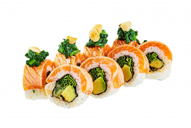 Tataki salmon and almonds roll