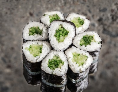 Mini  roll with cucumber