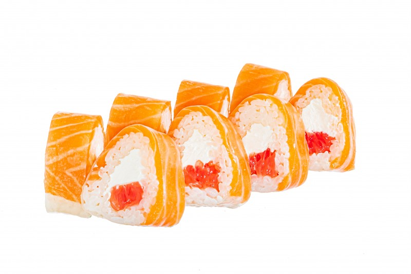 Rice paper roll with salmon